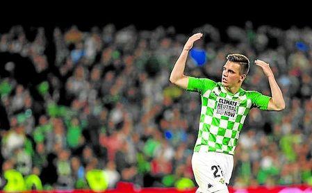 Lo Celso pide un último esfuerzo tras su gol.