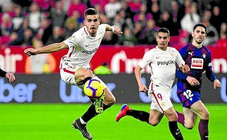 André Silva, en un lance del Sevilla-Eibar en el Sánchez-Pizjuán.
