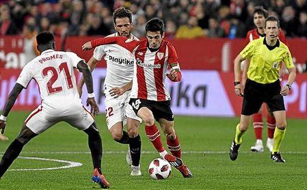 Sevilla y Athletic, durante el partido de la Copa del Rey en el Sánchez-Pizjuán.