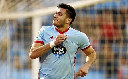 Maxi Gómez celebra un gol con la camiseta del Celta