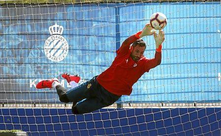 Diego López, durante un entrenamiento con el Espanyol.