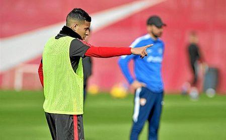 El Sevilla se mueve para colocar a Arana