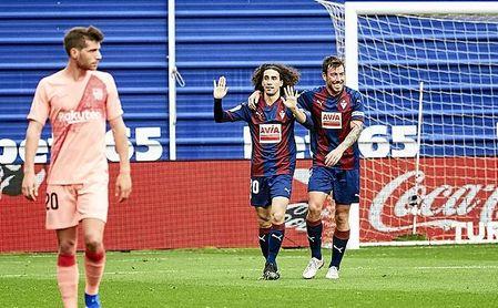 Cucurella, habitual lateral zurdo, ha brillado esta temporada en el Eibar como extremo.