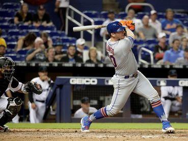 6-5. Alonso pega jonrones e impone una marca en el triunfo de los Mets