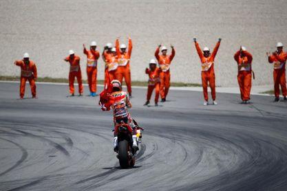 El rey felicita a Marc Márquez, Fernando Alonso y Dani Sordo
