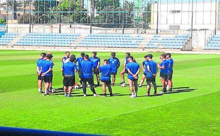 El esfuerzo de los jugadores azulinos por salvar al club ha tenido respuesta.