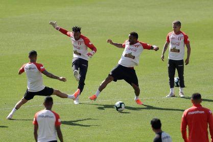 Perú entrena por primera vez en Sao Paulo sin la presencia de Zambrano