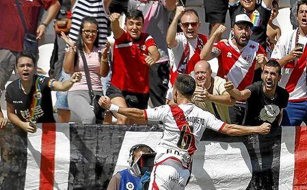 Todo indica que Álex Moreno acabará recorriendo la banda del Villamarín.