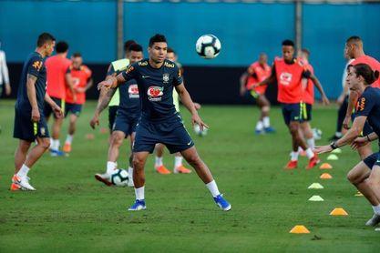 Brasil se mide con Paraguay sin su ángel de la guarda