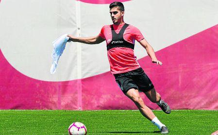 André Silva, durante un entrenamiento con el Sevilla FC.