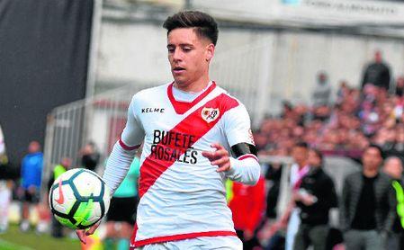 Rayo Vallecano compra en forma definitiva a Luis Advíncula