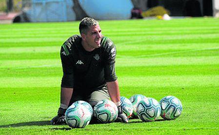 Joel Robles, en una sesión en la concentración en Montecastillo (Jerez de la Fra.).