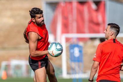 Joao Félix deja retazos de su calidad con un gol de volea en el entrenamiento