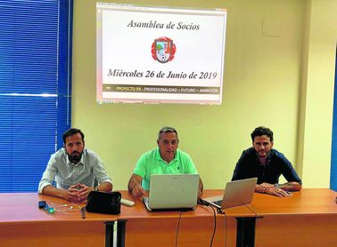 Perales, Paco Alba y Capi, anteriores miembros del Gerena