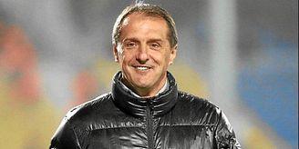 El último club entrenado por Hadzibegic fue el Estrella Roja.