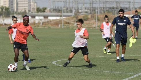 El Sevilla continúa con los entrenamientos a tan sólo unos días de los primeros encuentros.