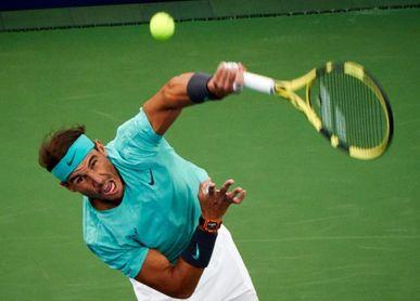 Nadal a semifinales tras dejar atrás a Fognini, con problemas en un pie