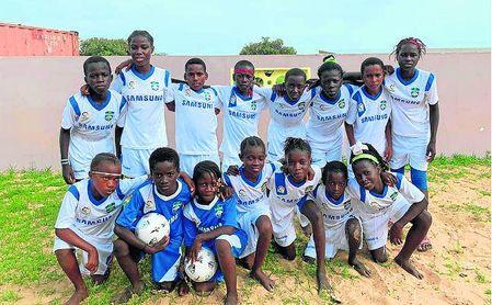 Los colores de Peloteros lucen ya en Senegal.