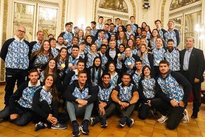 Macri recibe y felicita a la delegación argentina que compitió en Lima 2019