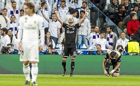 Ziyech, durante su exhibición en el Santiago Bernabéu.
