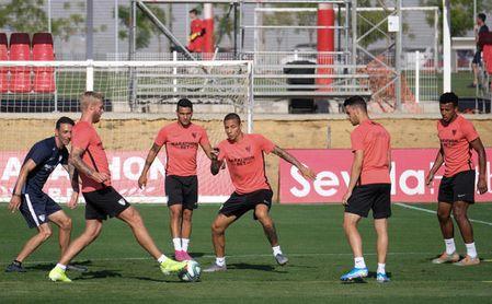 Arana se ha ejercitado este viernes con el Sevilla FC como uno más.