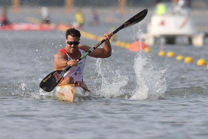 Carlos Garrote da un nuevo paso para revalidar su título