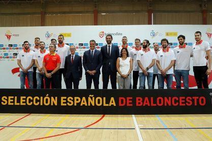 Pedro Sánchez alaba la continuidad de la selección