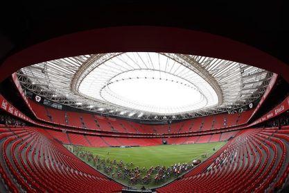La Vuelta sale de San Mamés dando una vuelta al estadio de la Euro 2020