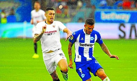 Ocampos no paró de subir y bajar en todo el partido.