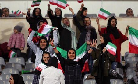 HRW pide a la FIFA que no permita a Irán limitar el número de espectadoras