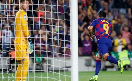 Suárez cambió el rumbo del partido con una espectacular chilena.