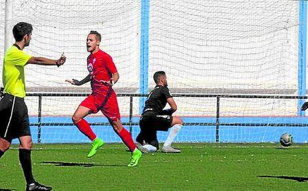 José Gordillo celebra su gol, de penalti, conseguido en Guadalcacín.