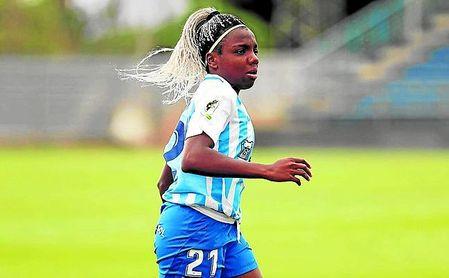 La nigeriana Edna Imade, con su nueva elástica, la de un Málaga con el que aspira a subir a Primera.