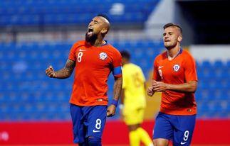 3-2. Chile remonta ante Guinea pero no despeja dudas