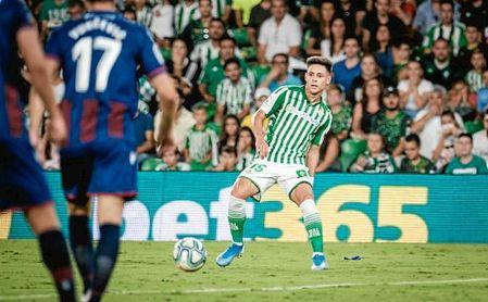Álex Moreno, en el partido ante el Levante.