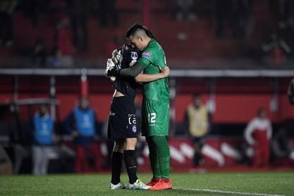 Argentinos derrotó a Independiente e igualó la línea de Boca
