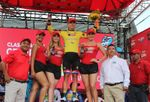 El ciclista local Manuel Rodas adelanta al peruano González y asume el liderato de la Vuelta a Guatemala