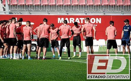 Julen Lopetegui, junto al resto de su plantilla, en la sesión previa a recibir al Atlético.