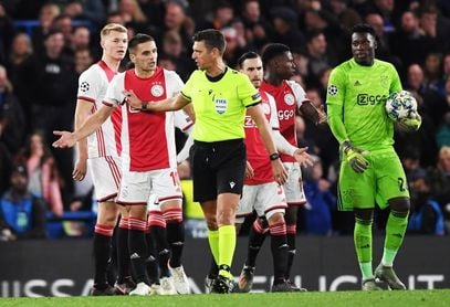 4-4. El Ajax tira de orgullo para aguantar en Stamford Bridge