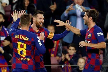 4-1. Messi decide con un triplete a balón parado