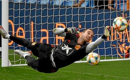 Pau López en un entrenamiento de la selección española