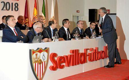 Imagen de la junta del Sevilla FC del curso pasado.