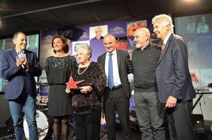 Javier Fernández, Orantes y Ona Carbonell, premiados en Ciudad de la Raqueta
