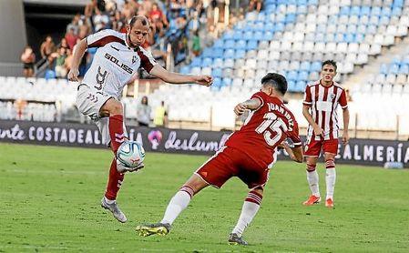 Zozulia, en el Albacete-Tenerife de esta temporada.