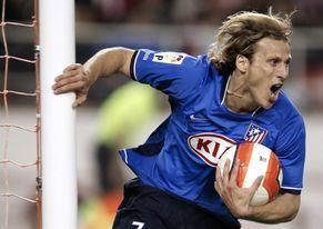 Diez partidos en la carrera de Diego Forlán, un jugador que conquistó el mundo