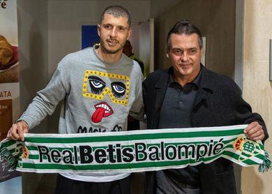 Guido ya pisa el Villamarín y se apunta para el domingo