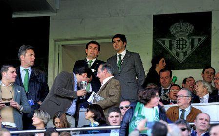 Ángel Haro y José Miguel López Catalán desean expandir la marca Betis por todo el mundo.