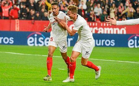 Fernando celebra su primer gol con la camiseta del Sevilla.