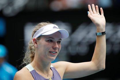 Wozniacki se despide entre lágrimas del tenis tras caer con Jabeur