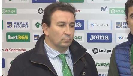 """López Catalán, muy indignado con el arbitraje: """"Esto ha llegado hasta aquí"""""""